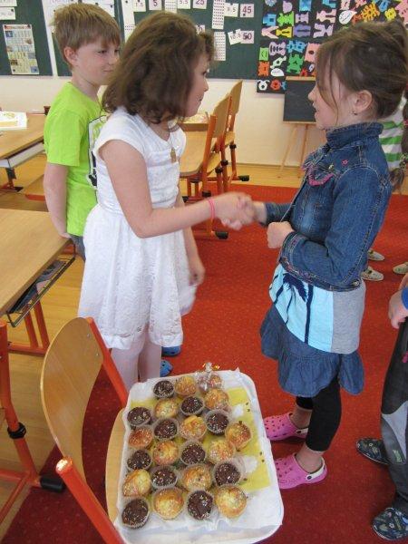20150504 - 2. třída - Viktorka slavila 8. narozeniny
