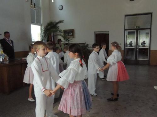 Děti v sobotu na vlastní kůži zažily, co je to zlatá svatba. Oslavili ji manželé Kočendovi.