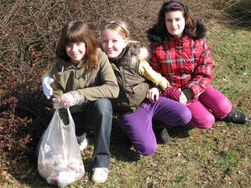 20100329 - Naše pomoc při úklidu obce