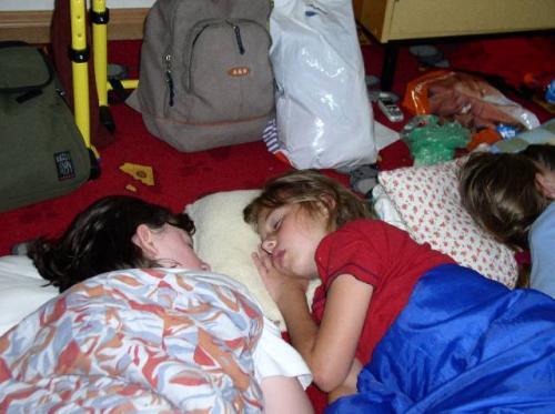 Spíme ve škole
